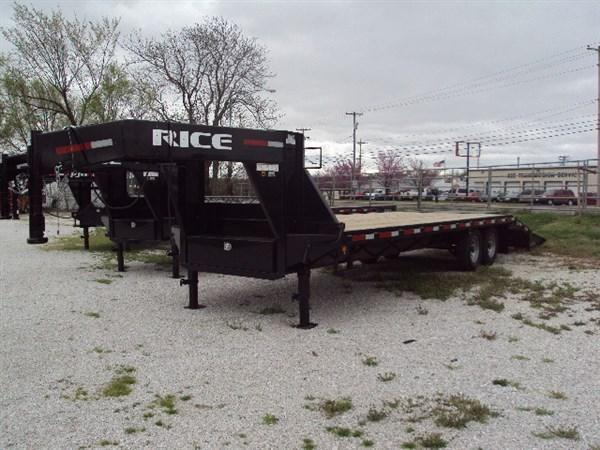 Rice 102 x 20'+5' 14000# Gooseneck Deckover W/ 2 Fold Over Ramps & Center Pop-Up