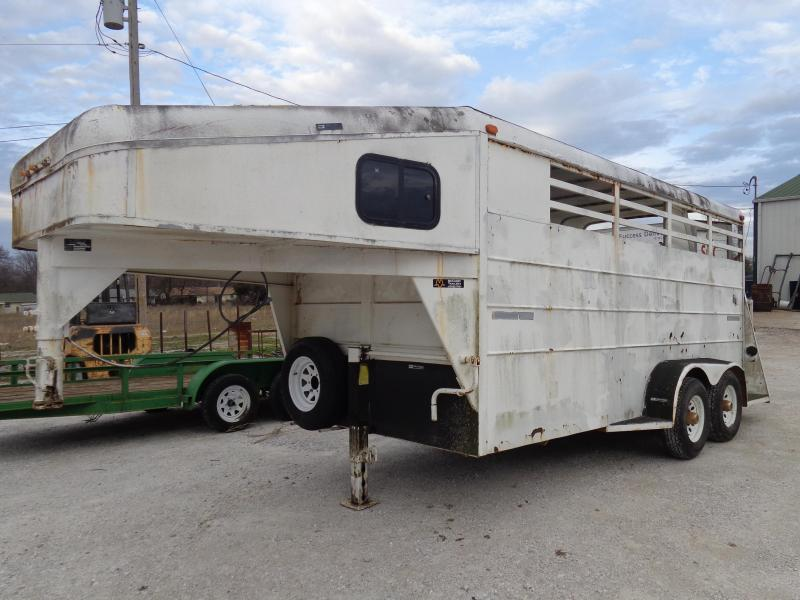 USED 1997 TAGA 22' x 6'8 Gooseneck 3 Horse Slant with Tack Room