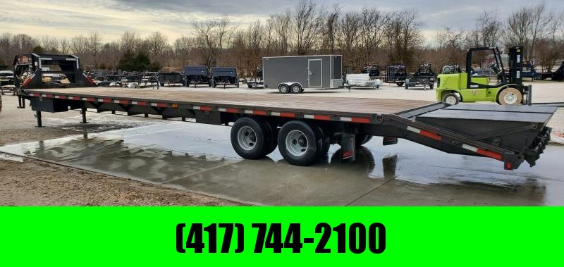 "2018 MAXXD 102X40 TANDEM GOOSENECK W/12K HYD DISC(14 PLY TIRES) 2-48"" TOOLBOXES & MAXXD OUT RAMPS"