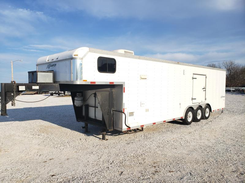 2004 Homesteader Champion w/ Living Quarters (PERFECT HUNTING RIG)