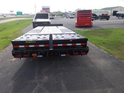 2018 Big Tex 22PH 25' Pintle Hitch Equipment Trailer w/ 5' Mega Ramps