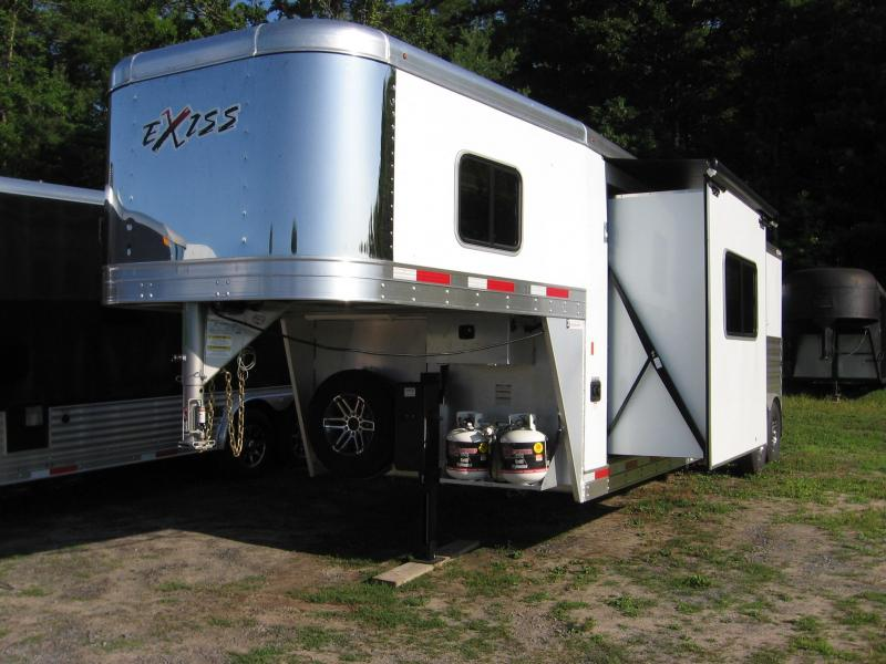 2020 Exiss Trailers Express 7310GNLQGL Horse Trailer