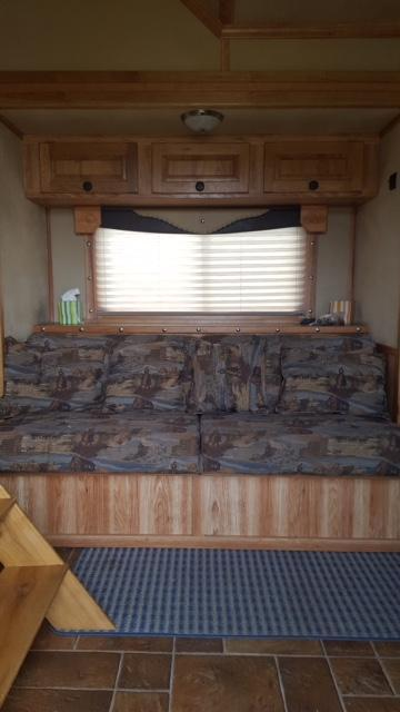 2009 Sooner Sooner Custom Livestock Trailer - REDUCED