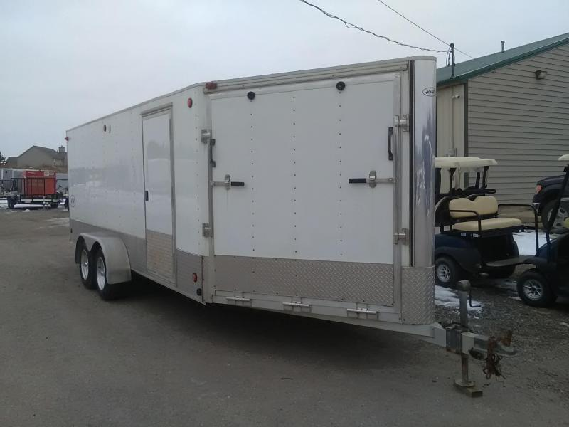 2004 R and R 3-Place Snowmobile Trailer