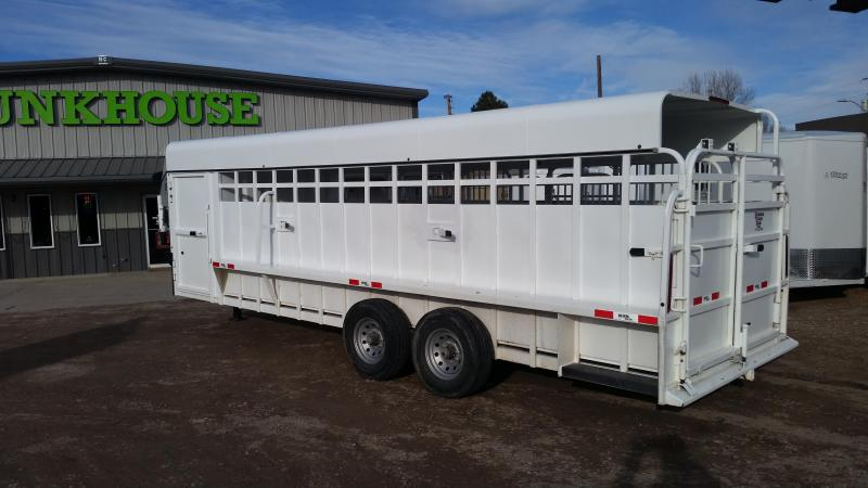 2017 Big Bend 24' FULL TOP Livestock Trailer