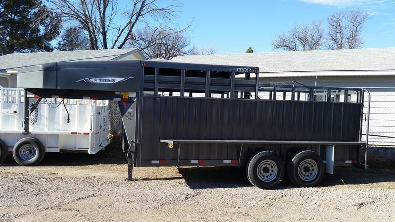 2018 Titan 16' Rancher 1/2 Top GN Livestock Trailer