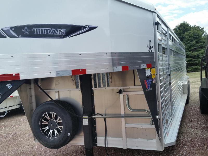 2019 Titan Trailers 32 ALUMINUM STOCK Livestock Trailer