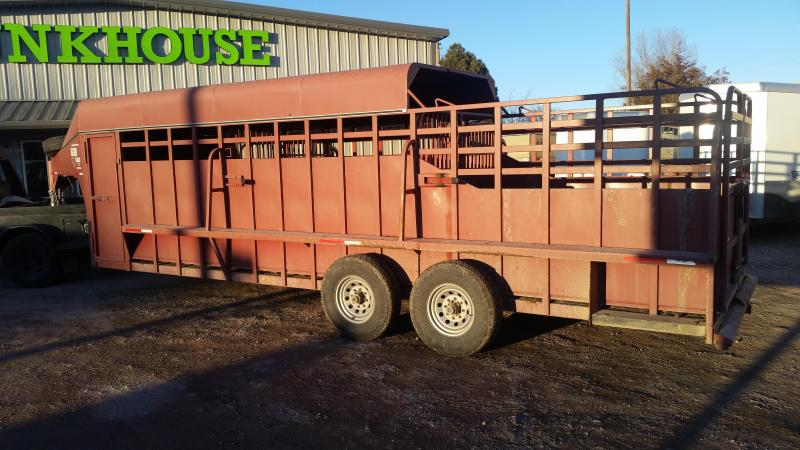 2013 Big Bend 24' 3/4 TOP Livestock Trailer