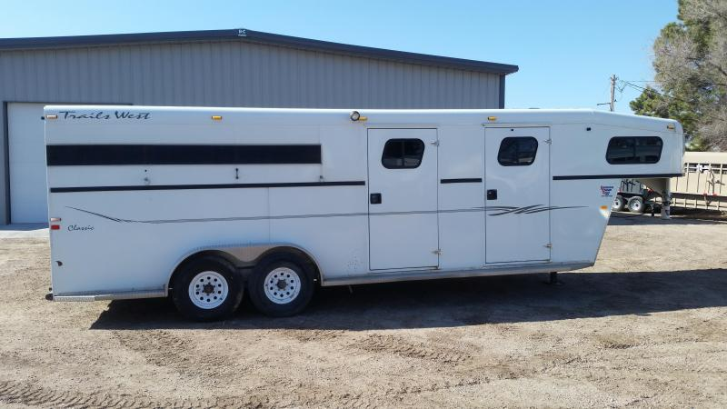 2005 Trails West CLASSIC 3 HORSE Horse Trailer