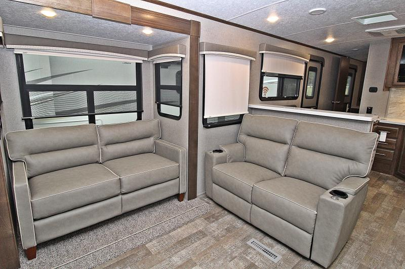 2020 Rockwood Signature Ultra Lite 8324SB Travel Trailer RV