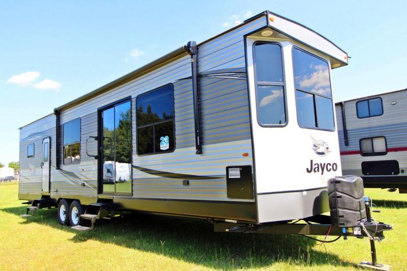 2020 Jayco Jay Flight Bungalow 40BHTS Destination Trailer RV