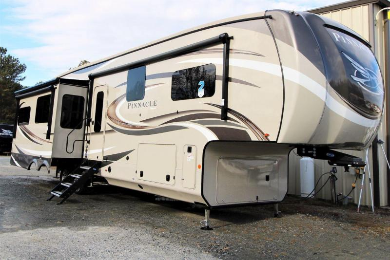 2019 Jayco Pinnacle 36KPTS Fifth Wheel RV