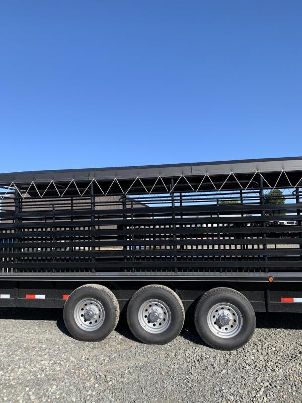 2020 Delco Trailers 32x6.8 Livestock Trailer