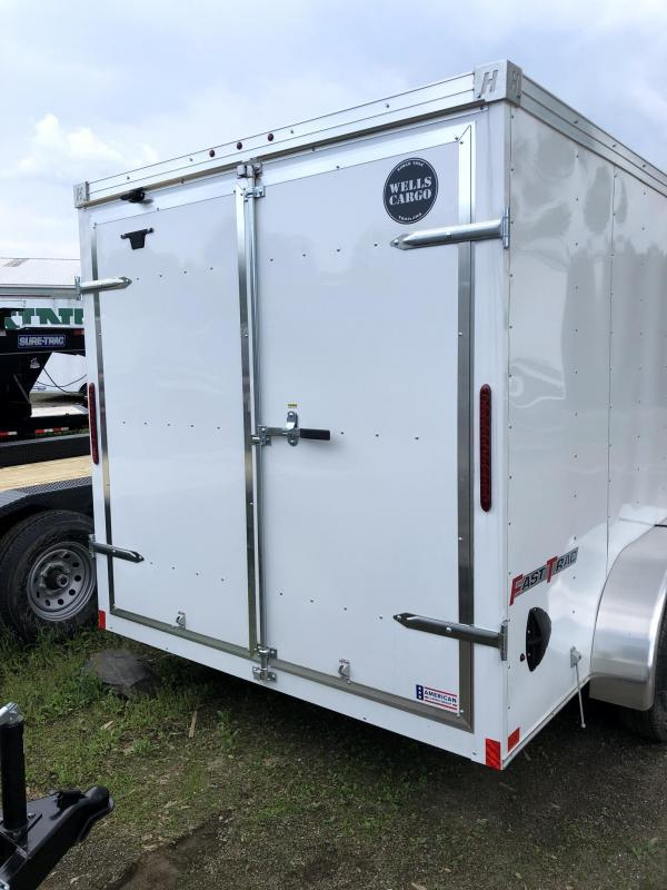 2019 Wells Cargo 7x14' Fastrac DELUXE Enclosed Cargo Trailer 7000# GVW * WHITE * BARN DOORS * V-NOSE * CLEARANCE