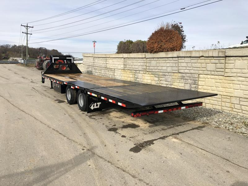2020 Load Trail 102x32' Gooseneck Deckover Hydraulic Dovetail Trailer 25990# * GL0232122 * HYDRAULIC JACKS * 12000# AXLES * DEXTER HDSS SUSPENSION * BLACKWOOD * 2-3-2 * ZINC PRIMER * CLEARANCE