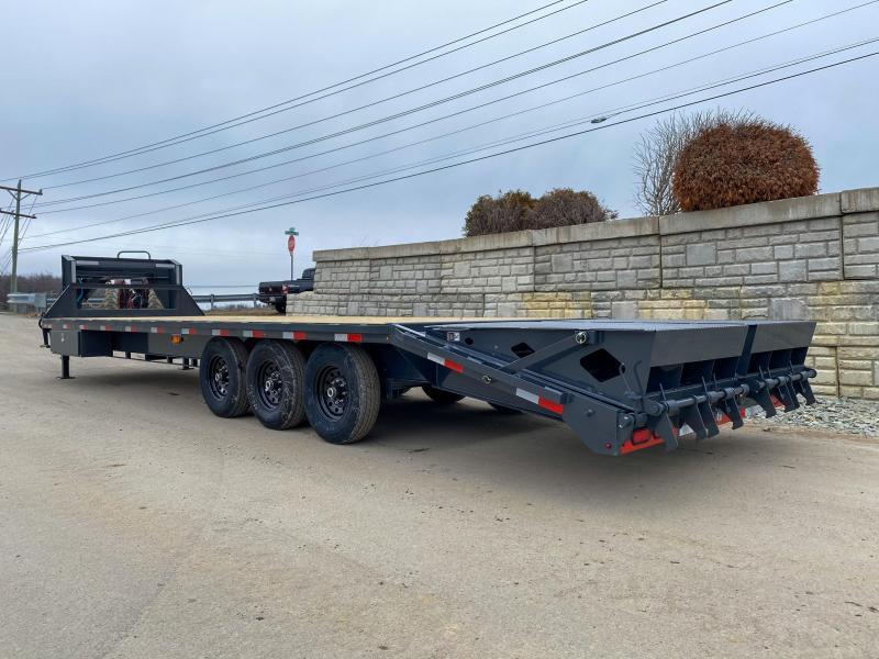 "2020 Lamar 102x30' Gooseneck Beavertail Deckover Trailer 21000# GVW * FULL WIDTH (STAND UP OR FLIPOVER) RAMPS * 4' SIDE TOOLBOX * 12"" I-BEAM FRAME * FRONT TOOLBOX * DUAL JACKS * CHARCOAL * 16"" O.C. C/M * RUBRAIL/STAKE POCKETS/PIPE SPOOLS * 4X8"" TUBE BUMPE"