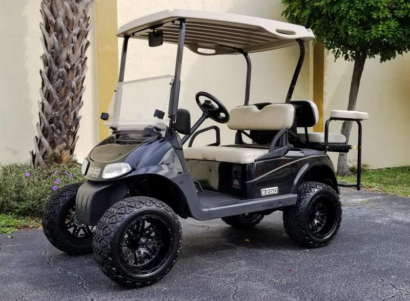 2009 E-Z-GO RXV Lifted Golf Cart