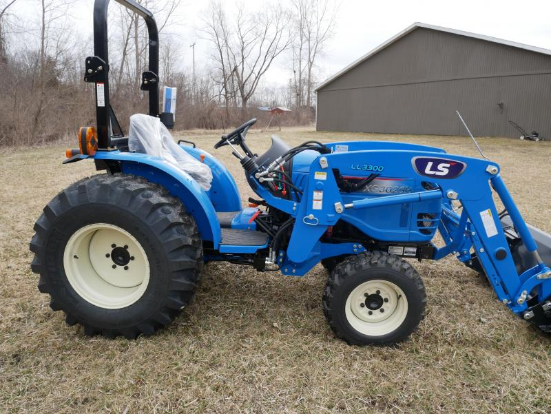2019 LS Tractor XG3025H 4x4 Compact Tractor