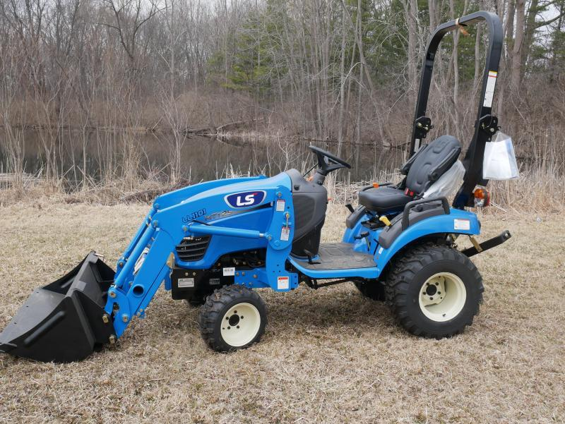 2019 LS Tractor XR3135HC 4x4 Compact Tractor W/Cab | Lawn Mowers and
