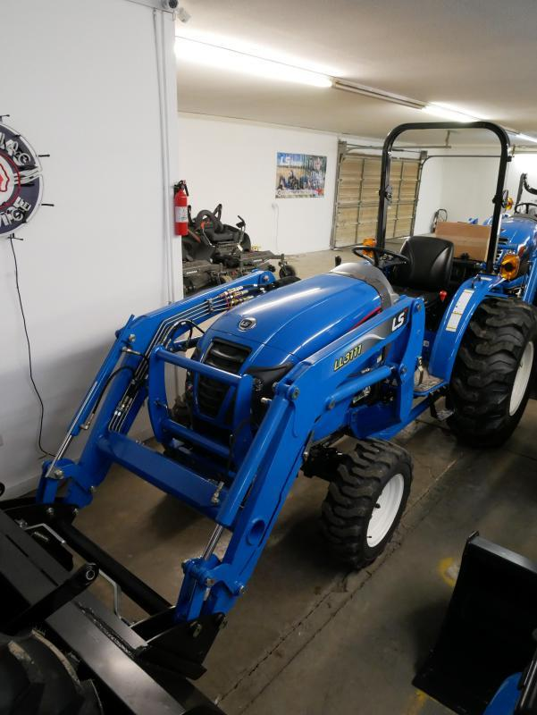 2020 LS Tractor XG3135 4x4 Compact Tractor 12SP