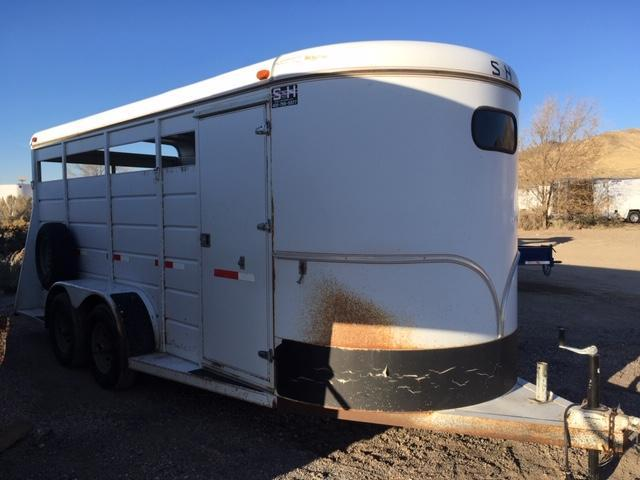 1996 S and H Trailers 3 Horse Slant Horse Trailer