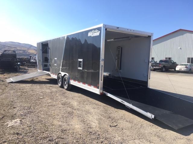 2020 High Country Gooseneck Sled trailer Snowmobile Trailer