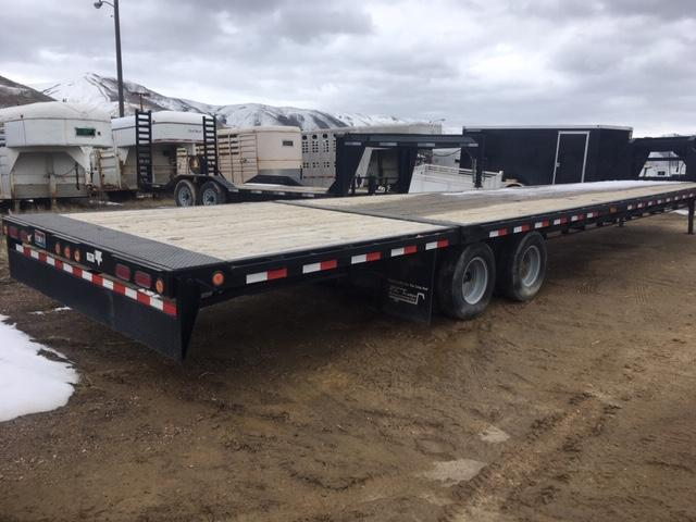 2008 PJ Trailers 38' Goosneck hydraulic dovetail Flatbed Trailer