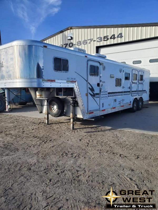 2001 Exiss 10' Short Wall 3 horse Horse Trailer