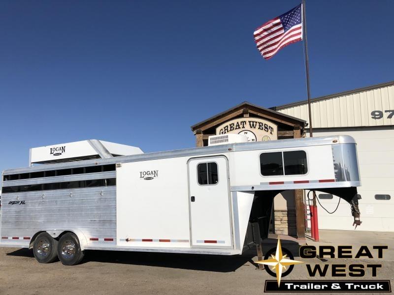 2011 Logan Coach RAZOR Horse Trailer