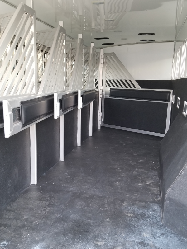2019 Bloomer 6h Trainers Near Me Trailer Classifieds