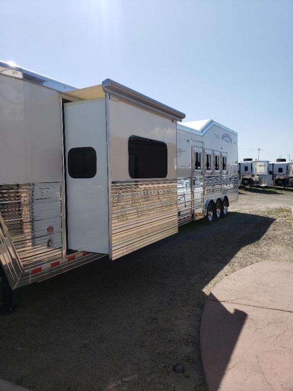 "2020 Bloomer 2020 17'9"" Shortwall slide out LQ Rear Side Load Horse Trailer"