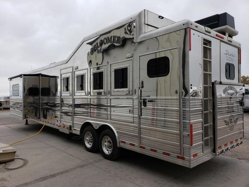 2009 Bloomer 16ft Short Wall Slide out 4 Horse Trailer