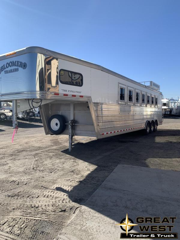 2015 Bloomer 7 horse trainer's Horse Trailer