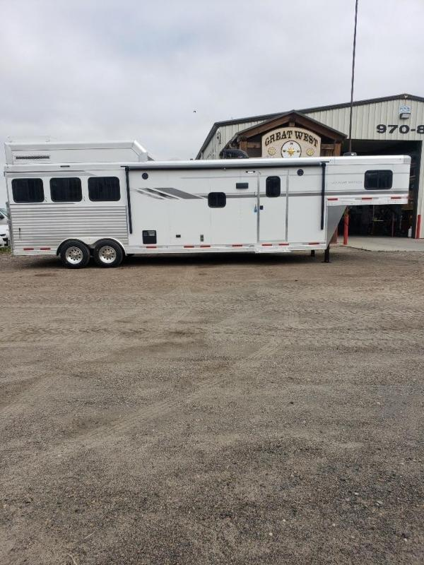 2020 SMC Horse Trailers SL8313SRK Horse Trailer with Generator