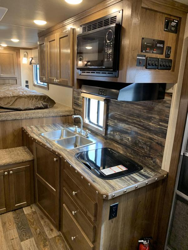2020 SMC 3 Horse with 10' Living Quaters Horse Trailer