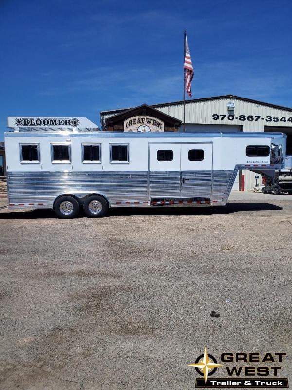 2020 Bloomer 4 horse trainers pkg trailer