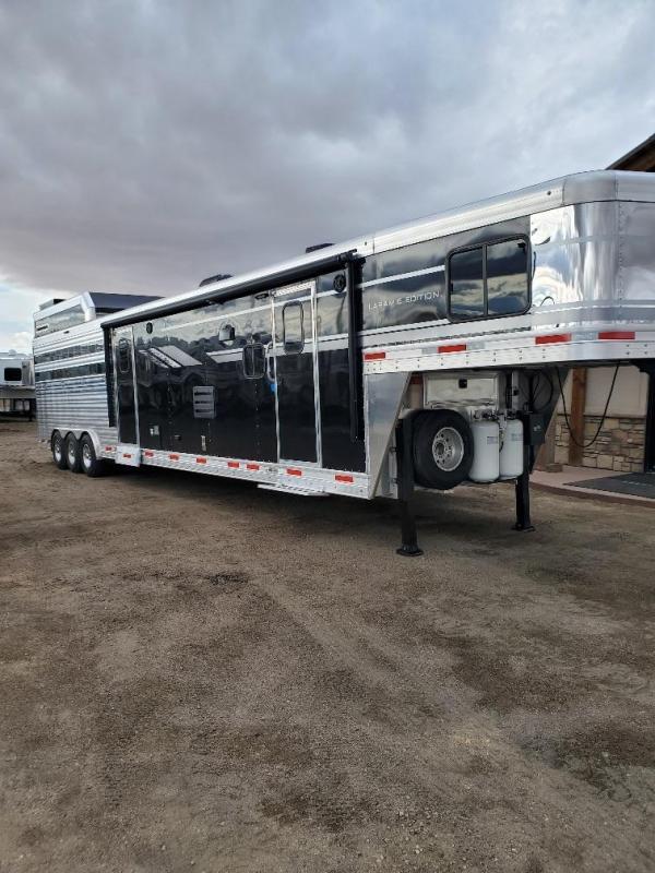 2020 SMC Horse Trailers SLE81613SSRT- Stock Combo LQ Horse Trailer