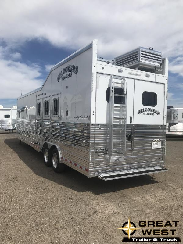 2018 Bloomer Trailer Manufacturing Horse Trailer
