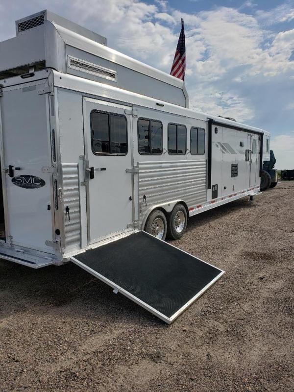 2020 SMC SL8413SSR Horse Trailer 4
