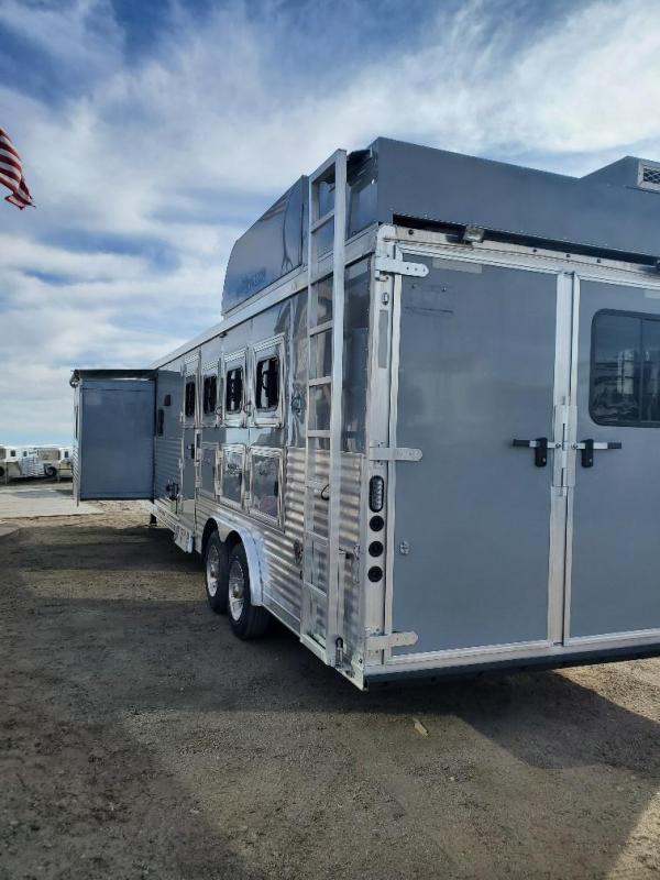 2019 Lakota C8415 Slide Out 4 Horse Trailer