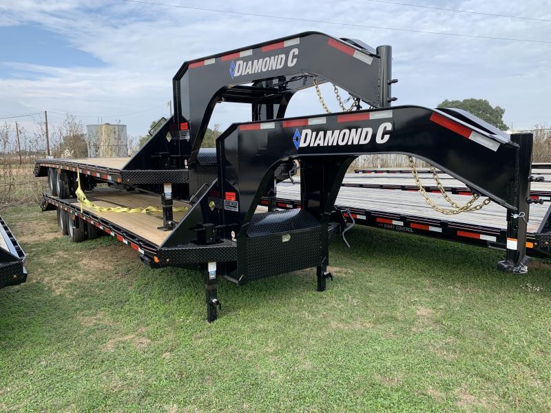 2020 Diamond C Trailers 32' FLATBED MAX RAMPS 25.9K