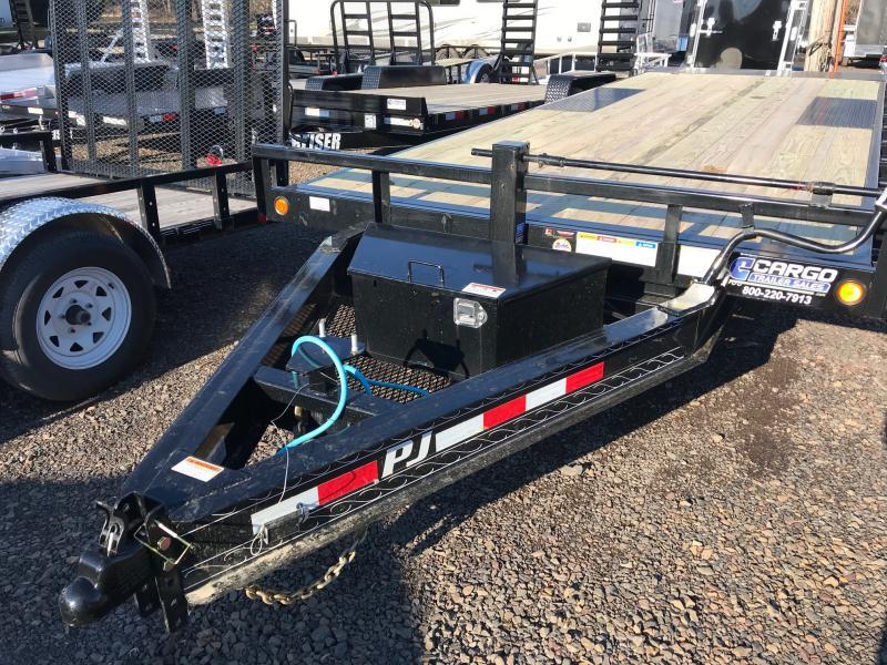 2020 PJ Trailers T8 22 DO Tilt Equipment Trailer