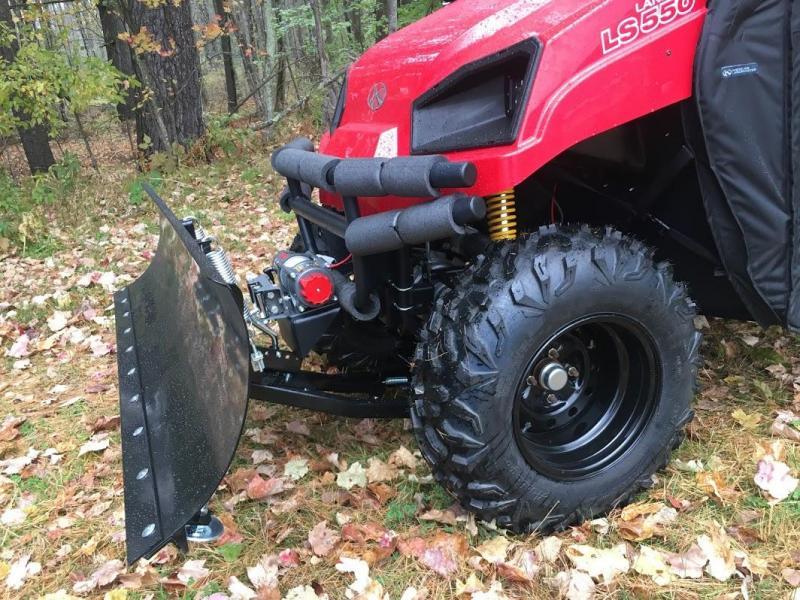 $2000 OFF American LandMaster 550 PLOW-PWR STEER-ENCLOSURE-ENDS OCT 31 RED