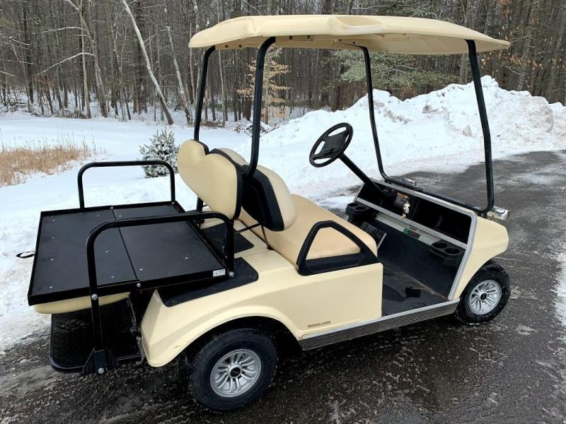 2006 Club Car DS GAS 4 Passenger Golf Car w/FOLD DOWN SEAT/LED LIGHTS
