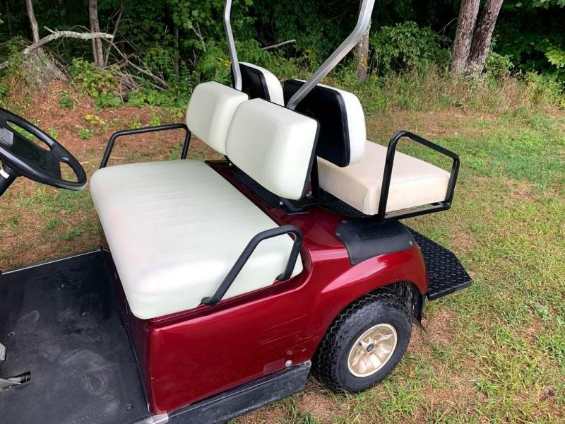 BURGUNDY Yamaha 48 volt Golf Car 2017 TROJAN battery/lights/NICE CAR!!