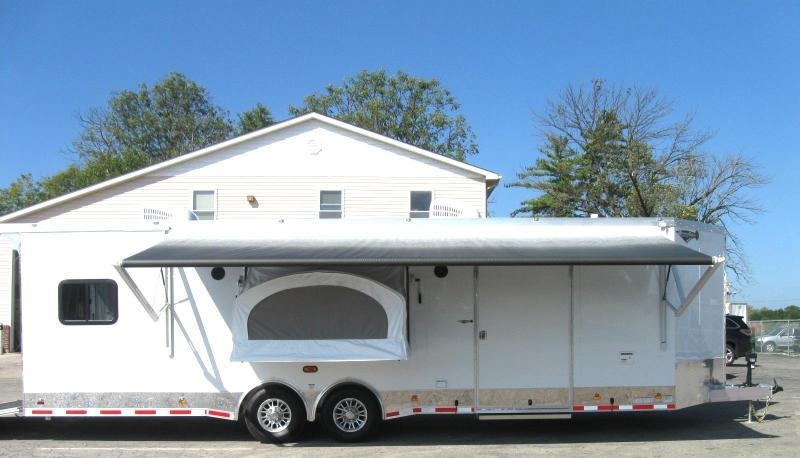 <b>Pre-Owned/Used 3 Times! Sleeps 6!</b>  28' Custom Living Quarters Millennium Automaster