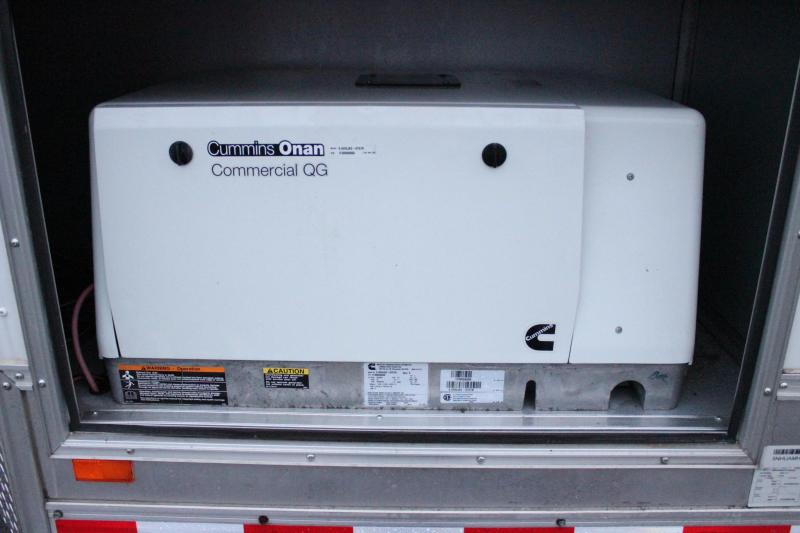 Pre-Owned with 5500 Onan Generator 2015 32' Automaster V-Nose w/Front Ramp