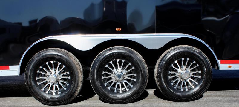 <b>We Finance!</b> 2019 48' Millennium Silver Gooseneck Super Nice! Hydraulic Jack/Screwless .040 Exterior