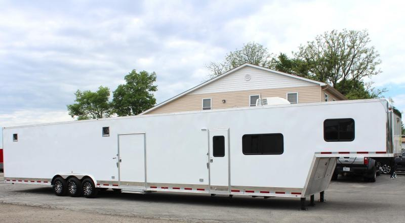 <b>MONDAY MADNESS SALE 1 DAY ONLY</b>  53' Millennium Silver w/14' RB (Rear Bath) Living Quarters