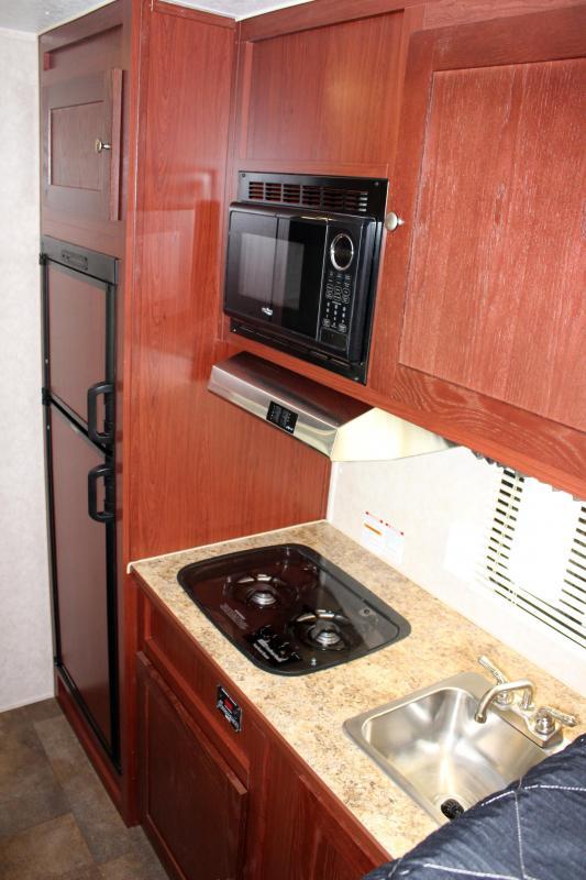 <b>MEGA BLOW-OUT SALE</b> 48' Millennium Silver 12' Dinette Living Quarters Large Dry Bath